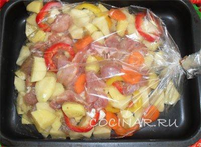 кролик с картошкой в духовке рецепт в рукаве