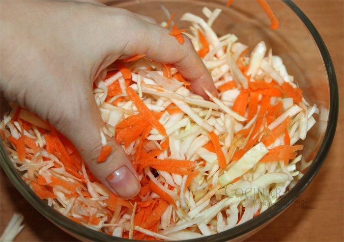 салат с капустой и морковкой с уксусом